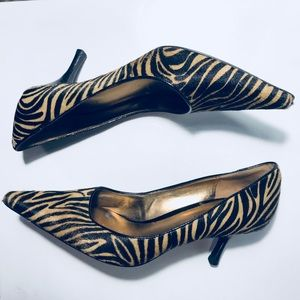 Nine West Real Fur Cow Leather pointed kitten heel
